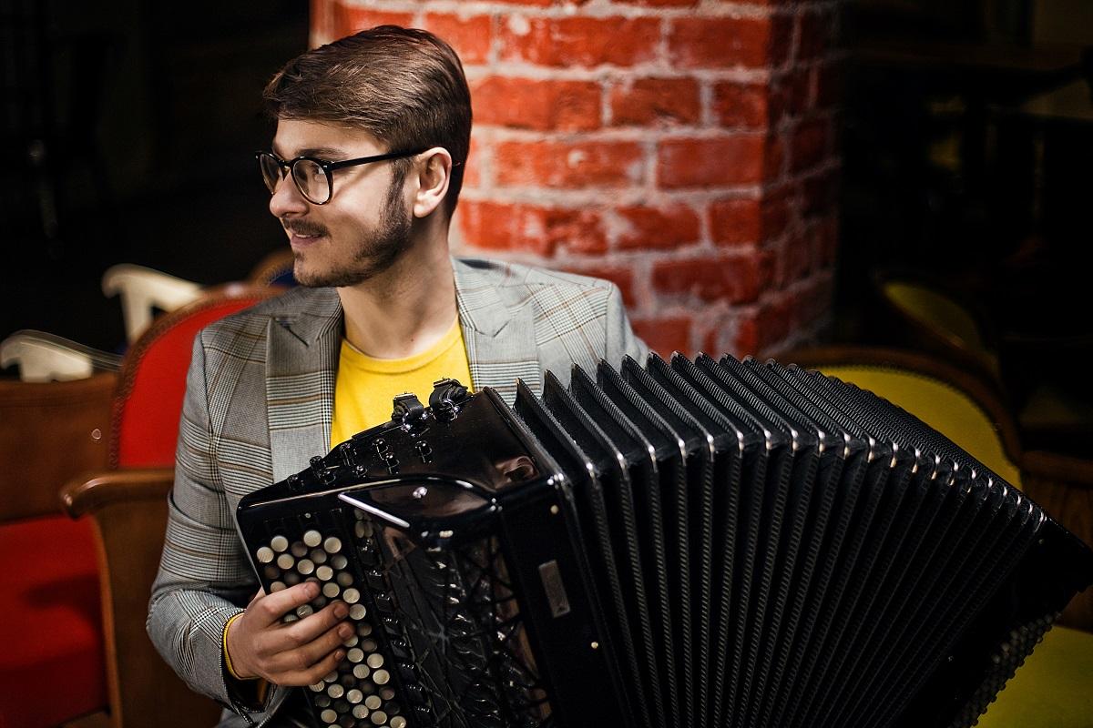 Maciej Frąckiewicz - Musik und Stille