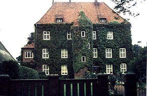 Schloss Agathenburg auf einer Privataufnahme von ca. 1980